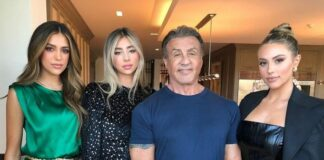 Sylvester-Stallone-poses-with-stunning-daughters